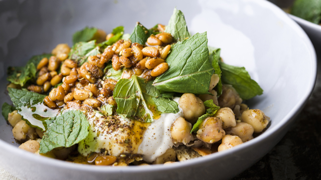 Enjoy a Lebanese-inspired Pita and Chickpea Salad with Yogurt and Mint