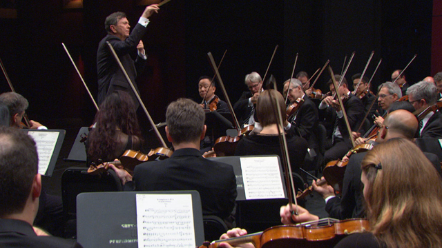 Gerard Schwarz conducts the violin section